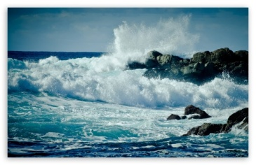 waves_crashing_on_rocks-t2